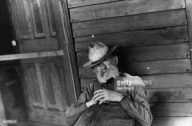 An inhabitant of Hooverville in Circleville Ohio Hooverville is a camp for displaced persons named after the American President Herbert Hoover who...