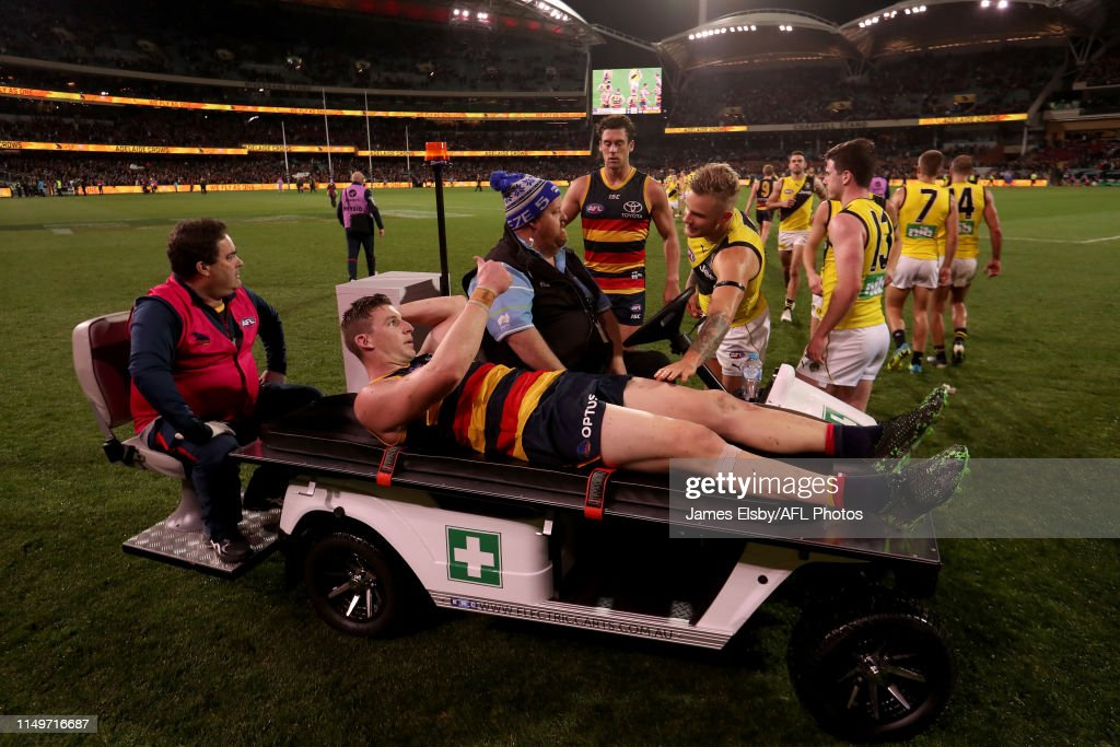 AFL Rd 13 - Adelaide v Richmond : News Photo