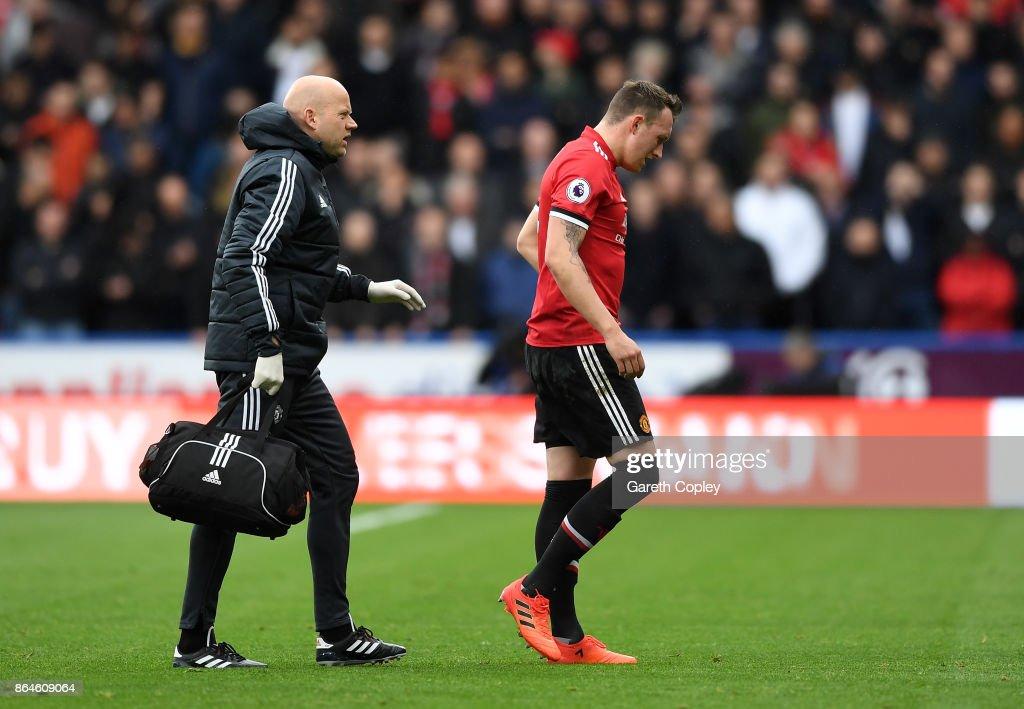 Huddersfield Town v Manchester United - Premier League : News Photo