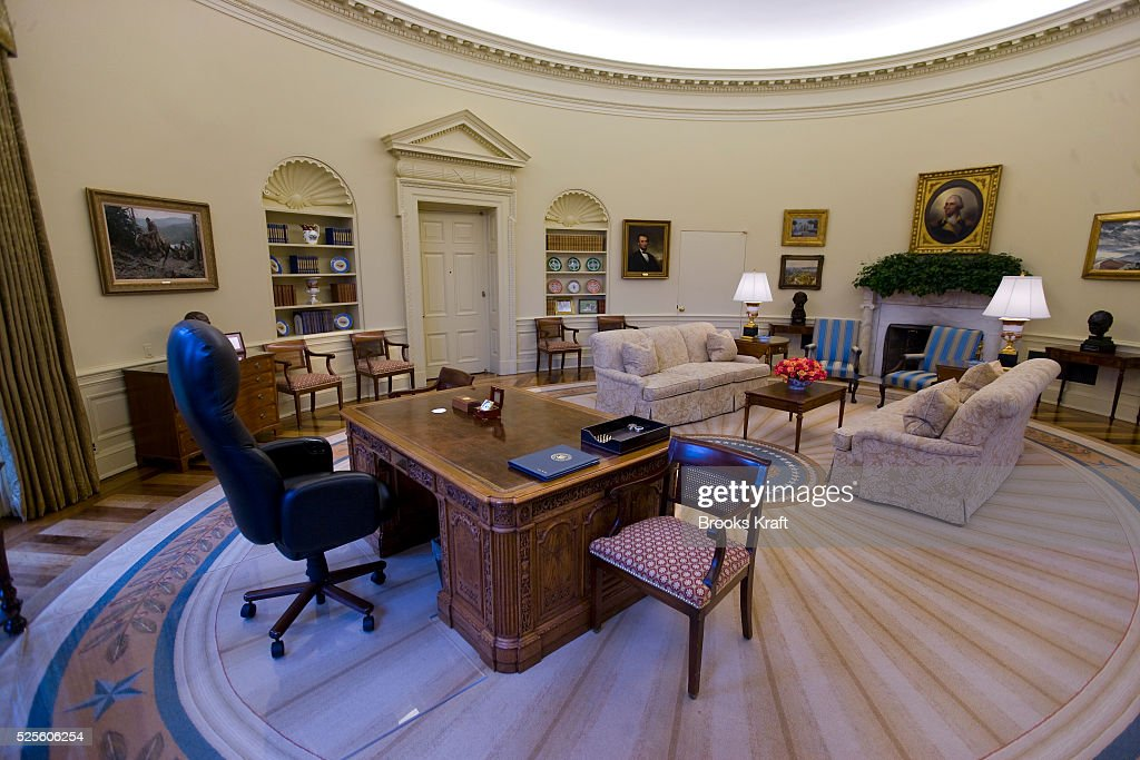 An Intererior View Of The Oval Office When Empty, At The White House During  The
