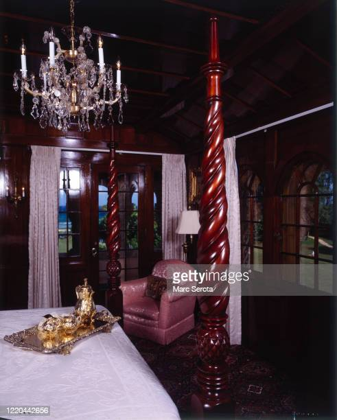 An interior view a bedroom at 'Mar a Lago' owned by businessman Donald Trump circa 2000 in Palm Beach, Florida.