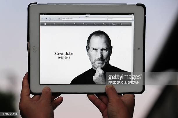 An ipad 2 is displayed on October 5 2011 in Los Angeles showing the changed Apple website paying homage to the company's visionary leader Steve Jobs...