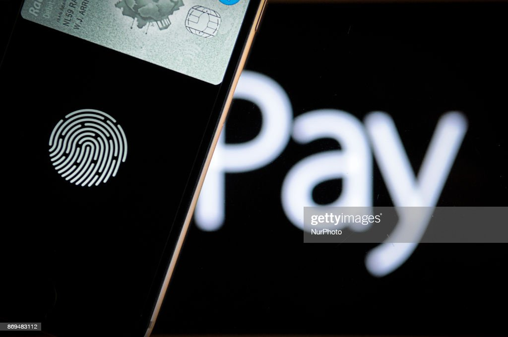 Apple Pay on an iPhone : News Photo
