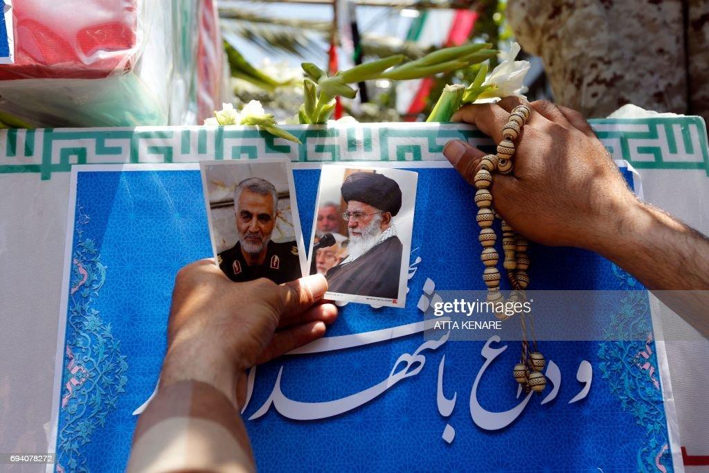 IRAN-ATTACKS-FUNERAL : Nachrichtenfoto