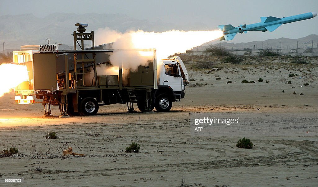 An Iranian Noor missile is launched duri : News Photo