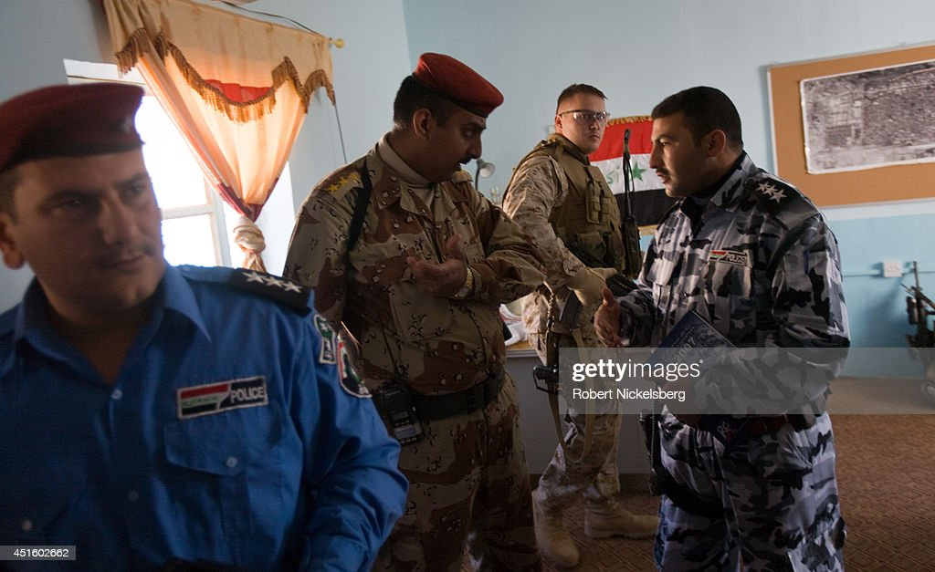 Marines Patrol Husayba : News Photo