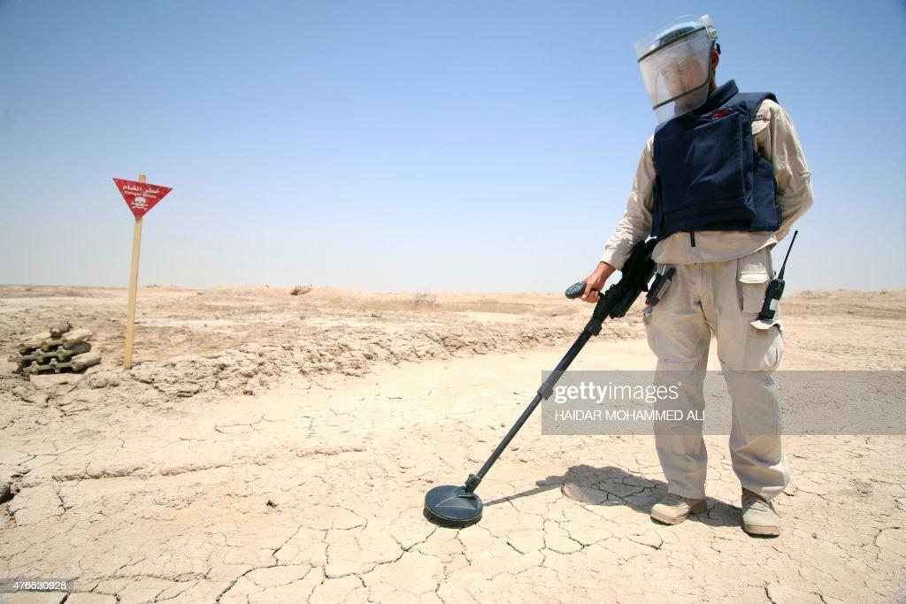 IRAQ-IRAN-CONFLICT-ECONOMY-OIL : News Photo