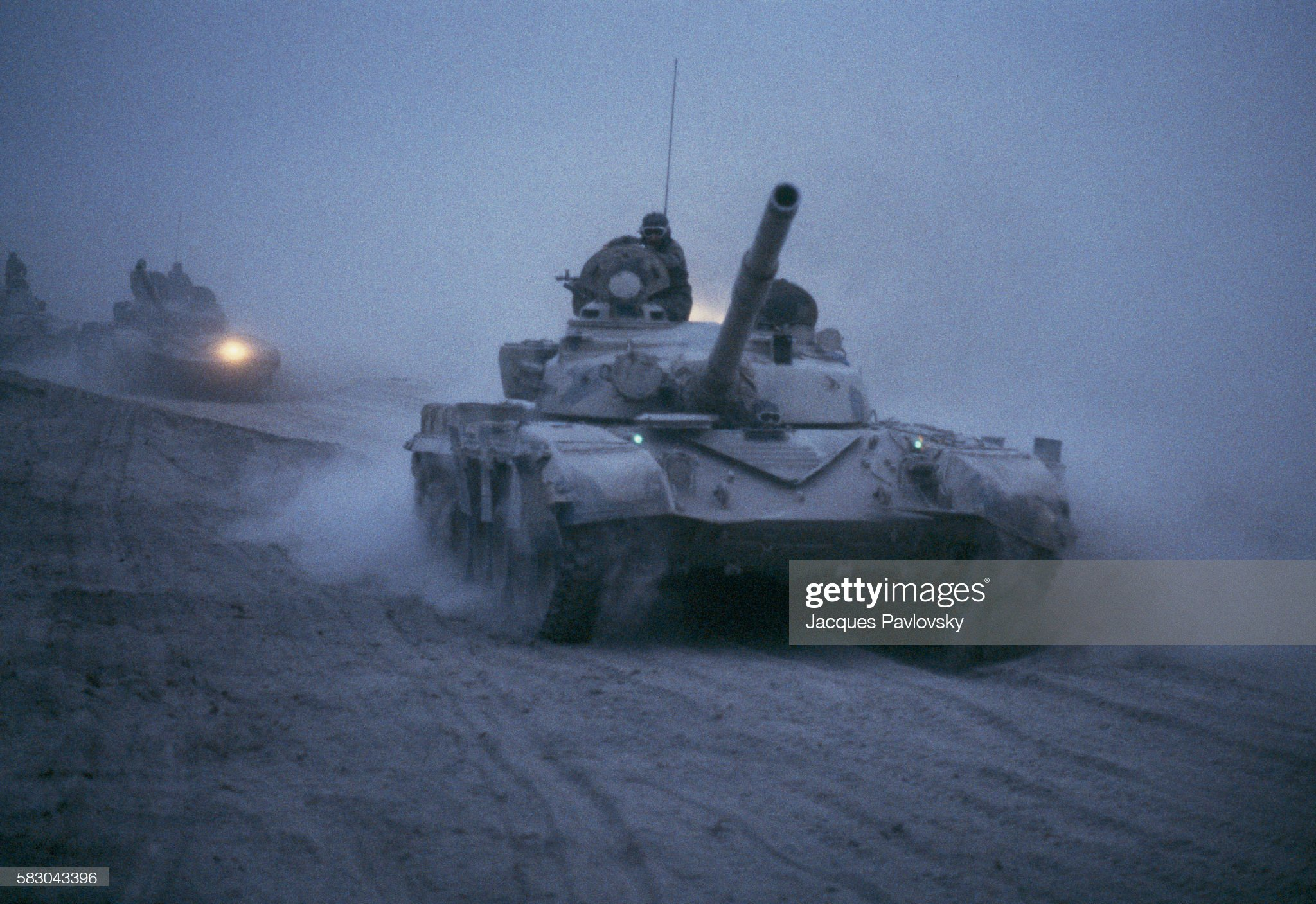 https://media.gettyimages.com/photos/an-iraqi-tank-on-the-front-100-kms-from-basra-in-the-alhoueiza-swamp-picture-id583043396?s=2048x2048