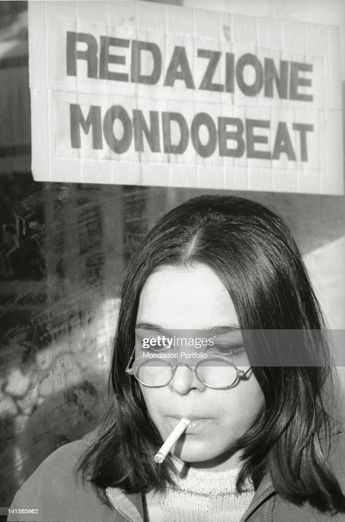 Beatnik Smoking : News Photo