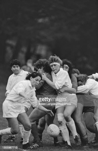 An Italy player gains possession of the ball during action in the pool 4 match between Italy and Spain on the third day of competition in the 1991...