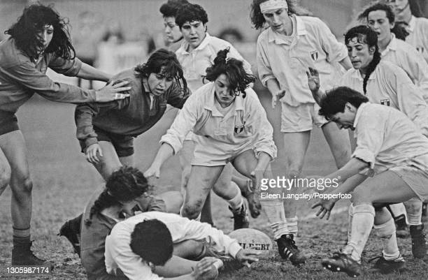 An Italy player releases the ball on the ground during action in the pool 4 match between Italy and Spain on the third day of competition in the 1991...