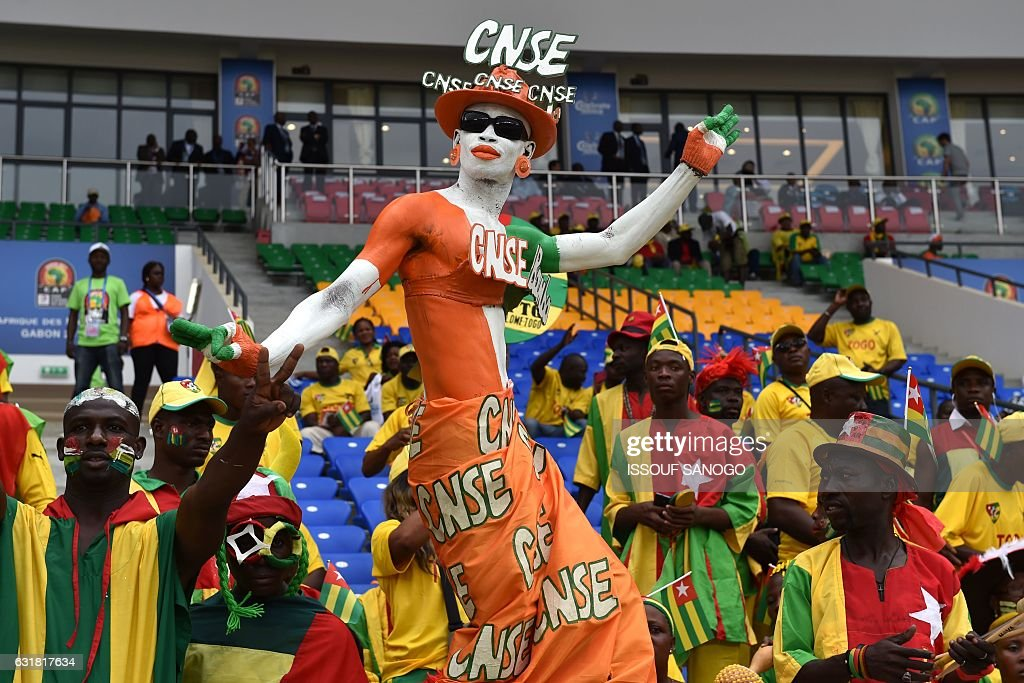 FBL-AFR-2017-MATCH05-CIV-TOG-FANS : News Photo