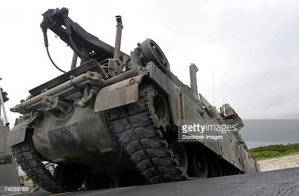 an m88a2 hercules recovery vehicle with rumbles aboard a landing craft, air-cushioned from assault craft unit-4 during an unload of vehicles, troops and equipment at onslow beach, marine corps base camp lejeune, n.c., august 17, 2006. - hercules stock pictures, royalty-free photos & images