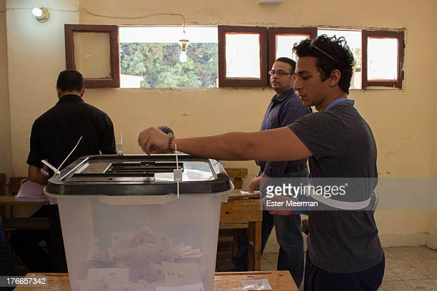 An man casts his vote in the second round of the Egyptian presidential elections, on June 16th 2012.