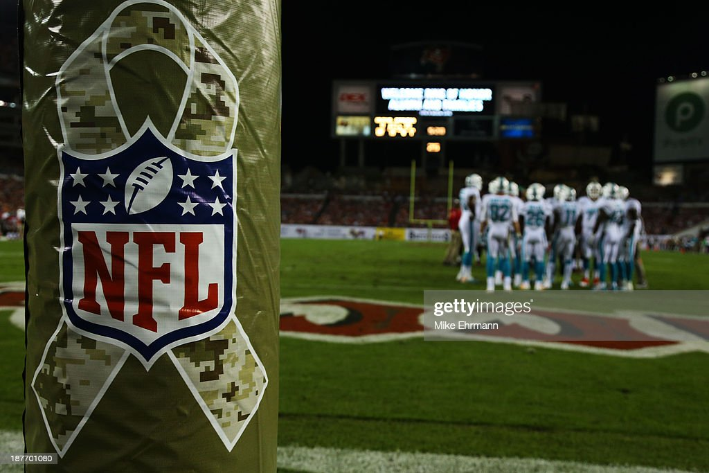 Miami Dolphins v Tampa Bay Buccaneers : News Photo