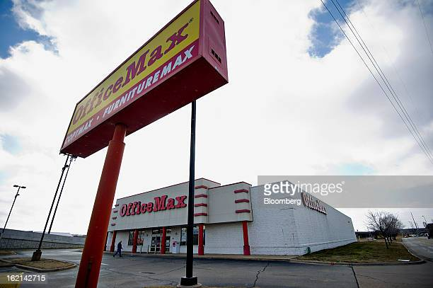 An OfficeMax Inc. Store stands in East Peoria, Illinois, U.S., on Tuesday, Feb. 19, 2013. Office Depot Inc. And OfficeMax Inc. Are discussing a...