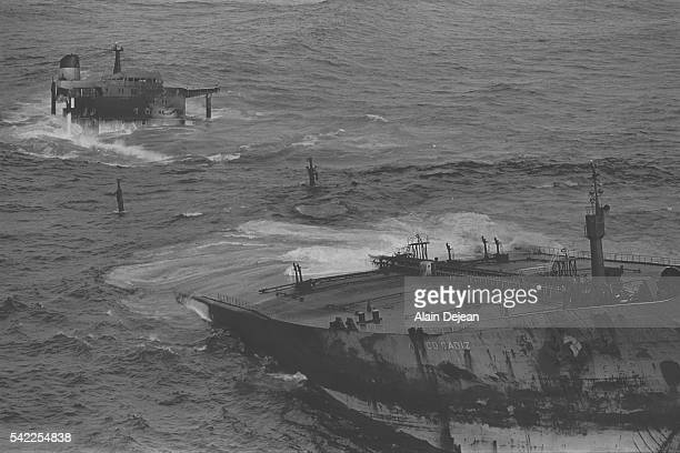An oilslick in Brittany as a result of the wreck of the Amoco Cadiz tanker off the Portsall coast
