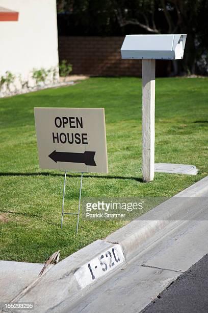 An OPEN HOUSE sign