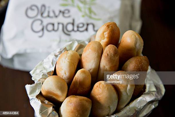 An order of breadsticks from a Darden Restaurants Inc Olive Garden location is arranged for a photograph in Tiskilwa Illinois US on Tuesday Sept 1...