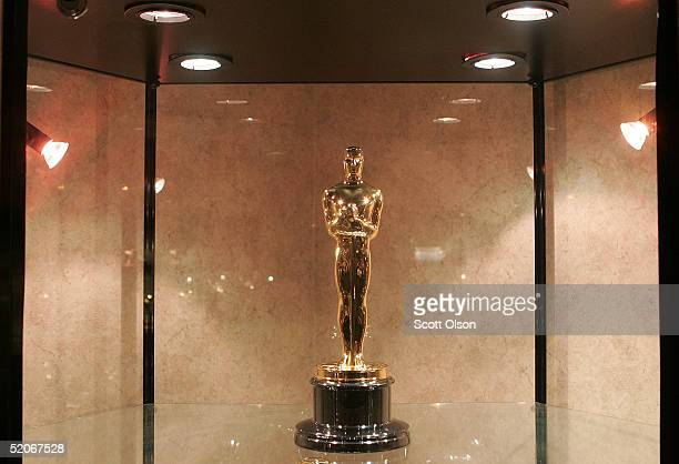 An Oscar statue sits on display at RS Owens Company January 26 2005 in Chicago Illinois RS Owens manufactures the Oscar statues which are presented...
