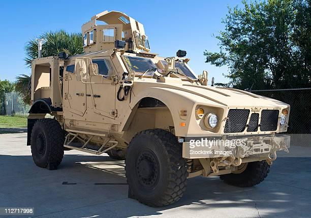 an oshkosh m-atv mine resistant ambush protected all-terrain vehicle. - mine resistant ambush protected stock pictures, royalty-free photos & images