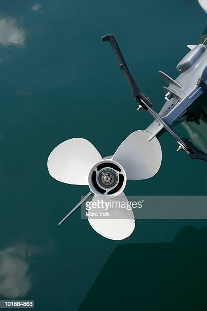 an outboard motor - propeller stock pictures, royalty-free photos & images