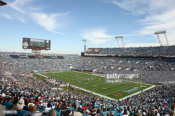 An overall view as the Houston Texans take on the Jacksonville Jaguars on November 12 2006 at Alltel Stadium in Jacksonville Florida The Texans...