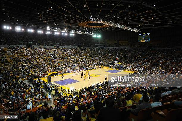 An overall view of The Forum during a preseason game between the Los Angeles Lakers and the Golden State Warriors at The Forum on October 9 2009 in...