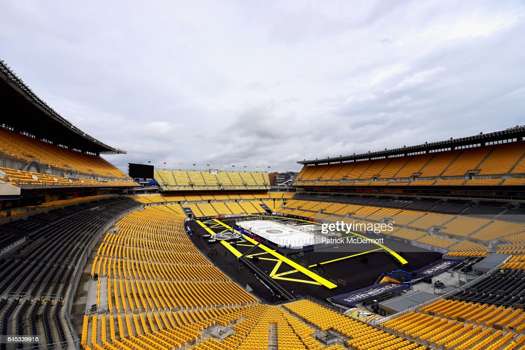 An overall view of the rink on the field before the start of the 2017 Coors Light NHL Stadium Series between the Philadelphia Flyers and the Pittsburgh Penguins at Heinz Field on February 25, 2017 in Pittsburgh, Pennsylvania.