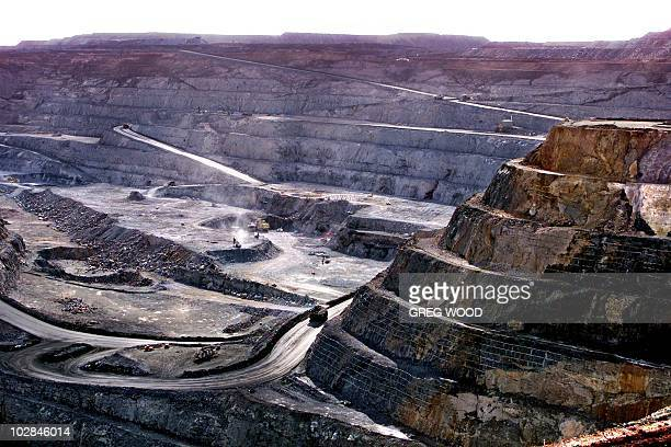 An overall view of the Super Pit at Kalgoorlie 595 kms east of Perth 05 June 2001 Kalgoorlie's gold mining industry is now primarily centred around...