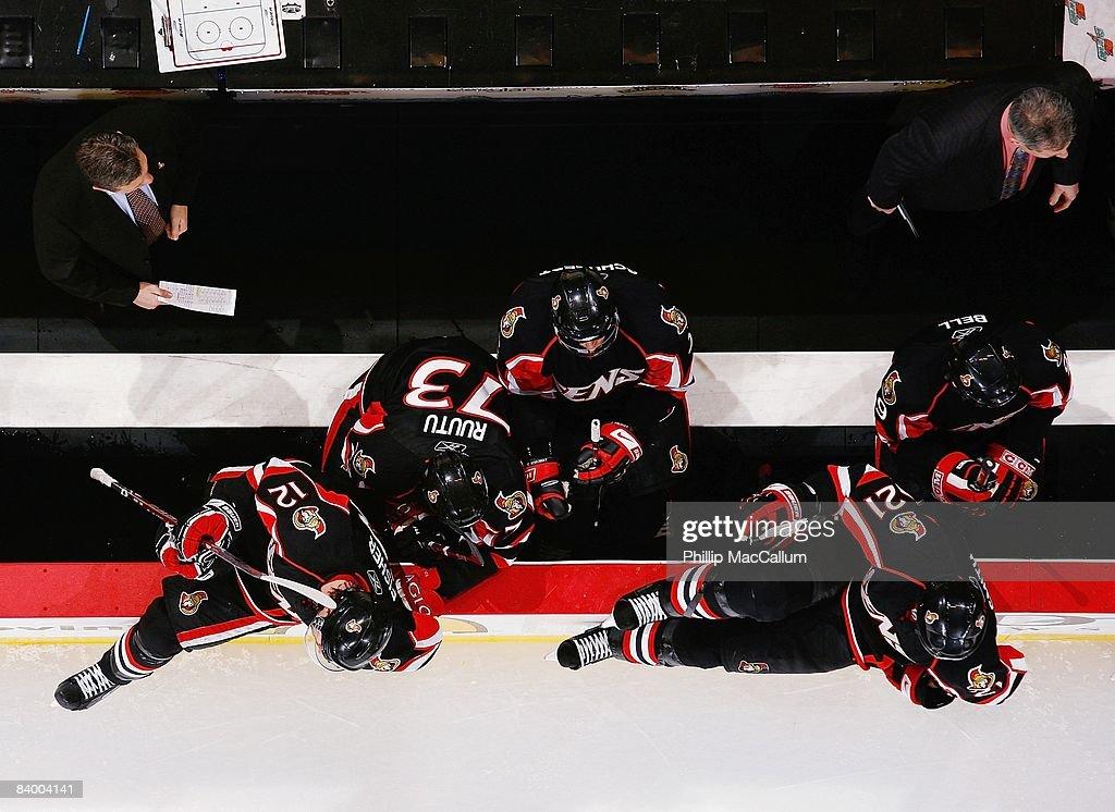 Atlanta Thrashers v Ottawa Senators : News Photo