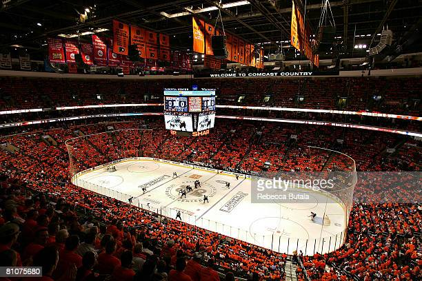 An overhead view as the Pittsburgh Penguins and the Philadelphia Flyers face off to start game three of the Eastern Conference Finals of the 2008 NHL...