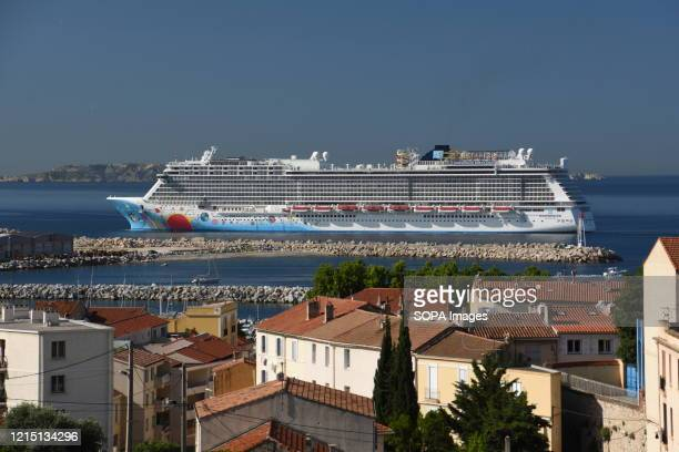 An overview of the Norwegian Breakaway cruise ship in Marseille. The Norwegian Breakaway and Norwegian Getaway, two twin liners of the American...