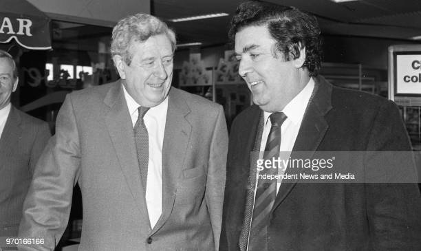 An Taoiseach Garret Fitzgerald and his wife Joan Elizabeth Fitzgerald are leaving Dublin Airport for Newyork for St Patrick's Day John Hume in...