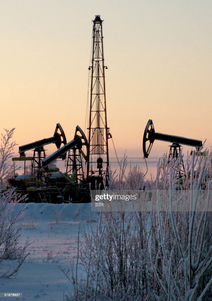 An undated picture shows the Prirazlomnoye oil well of Yuganskneftegaz, Yukos' main production unit , outside Nefteyugansk, western Siberia. Russia on 19 December was to strip crippled Yukos oil giant of its core production asset in an auction expected to be won by state gas behemoth Gazprom, putting a large slice of the energy industry back in government hands. Defying an 11th-hour US legal order barring the sale and Gazprom's bid, the Russian government was to sell off Yukos' crown jewel Siberian oil-pumping subsidiary, Yuganskneftegaz.