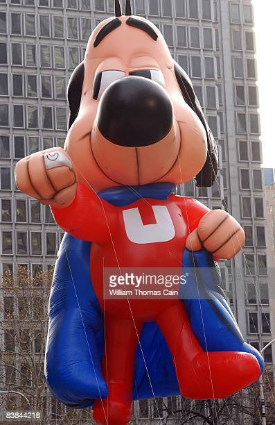 An Underdog balloon is pulled along the Benjamin Franklin Parkway during the 6ABC/IKEA Thanksgiving Day Parade November 27, 2008 in Philadelphia,...