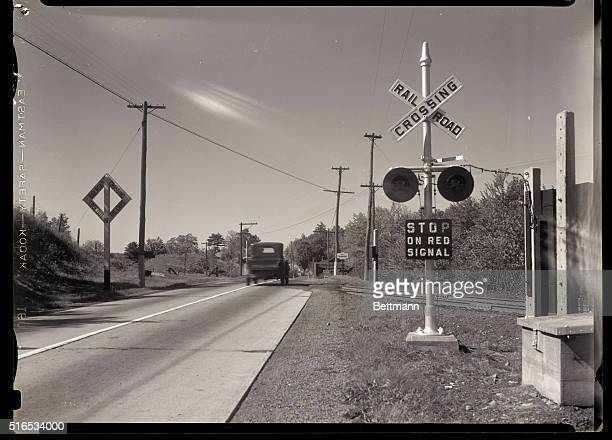 60 Top Railroad Crossing Sign Pictures, Photos and Images
