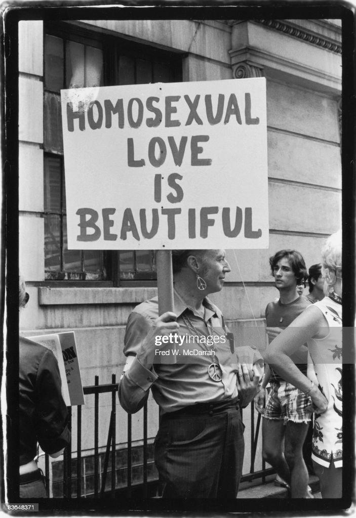 'Homosexual Love Is Beautiful Love' : News Photo