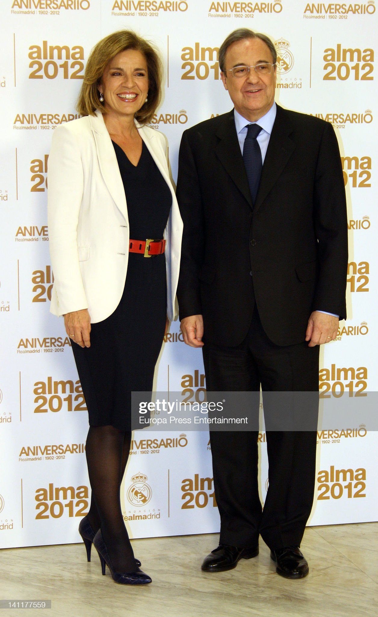 ¿Cuánto mide Florentino Pérez? - Altura - Real height - Página 2 Ana-botella-and-florentino-fernandez-attend-alma-awards-by-real-at-picture-id141177559?s=2048x2048