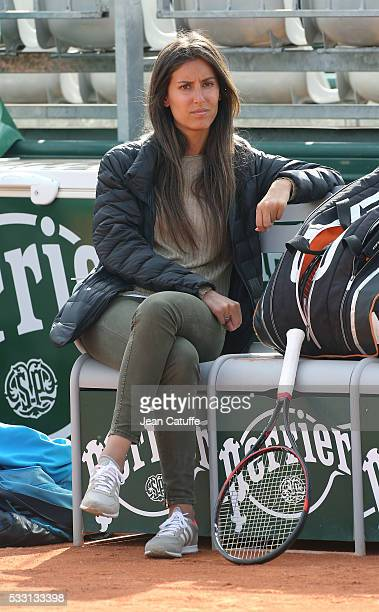 Ana Boyer Preysler attends the practice of her boyfriend Fernando Verdasco of Spain ahead of the 2016 French Open at RolandGarros stadium on May 20...