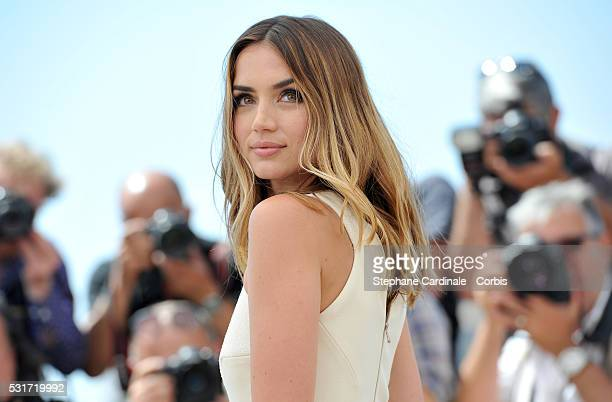 Ana de Armas attends the 'Hands Of Stone' photocall during the 69th annual Cannes Film Festival at the Palais des Festivals on May 16 2016 in Cannes...