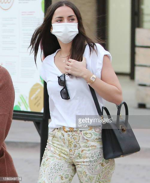 Ana de Armas out shopping on December 9, 2020 in Los Angeles, California. (Photo by CrownMedia/MEGA/GC Images