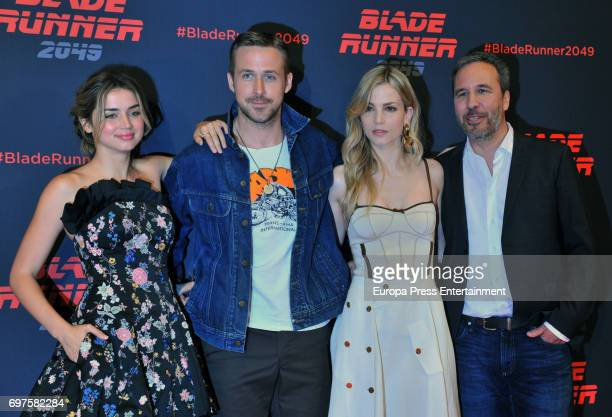 Ana de Armas Ryan Gosling Sylvia Hoeks and Denis Villeneuve attend 'Blade Runner 2049' photocall during at Arts Hotel on June 19 2017 in Barcelona...