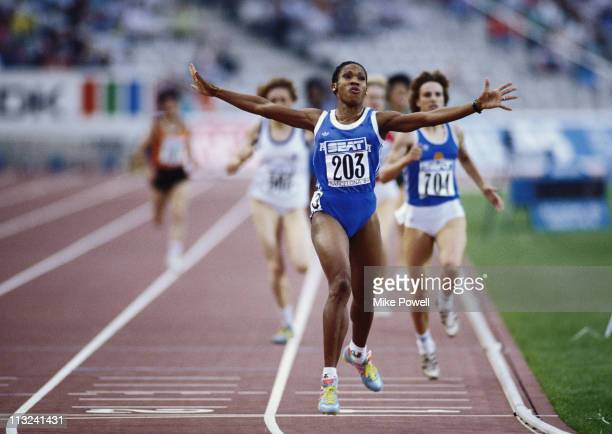 Ana Fidelia Quirot of Cuba crosses the line to win the Women's 800 metres event at the IAAF World Cup in Athletics on 31st August 1989 at the Olympic...