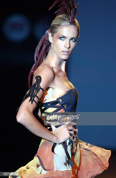 c0b131228a9f5 Ana Hickmann Beelden en foto s   Getty Images