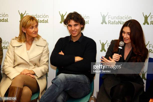Ana Maria Parera Rafa Nadal and Paz Vega attend the presentation Integracion y Deporte on December 14 2011 in Barcelona Spain