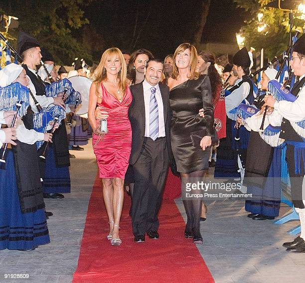 Ana Obregon and Belinda Washington attend a charity dinner to raise funds for Padre Angel Foundation organised by Fuentes del Mundo Foundation on...
