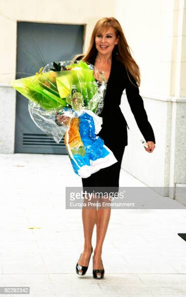 Ana Obregon holds a press conference to offer an apology to Cayetano Martinez de Irujo on October 22 2009 in Madrid Spain
