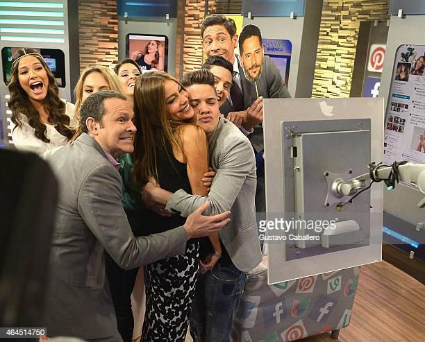 Ana Patricia Gamez Ximena Cordoba Alan Tacher Sofia Vergara William Valdes and Johnny Lozada on the set of Despierta America at Univision Studios on...
