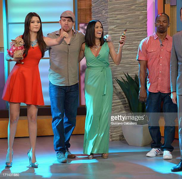 Ana Patricia GonzalezChanning TatumKarla Martinez and Jamie Foxx appears on Univision's 'Despierta America' to promote film 'White House Down' at...
